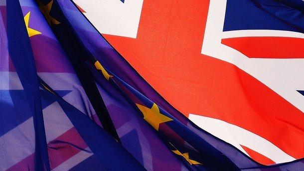 «Отвратительное предательство»: Мэй исключила возможность 2-го референдума поBrexit