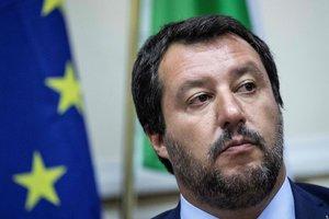 Глава МВД Италии обвинил Меркель в грубых ошибках в миграционной политике