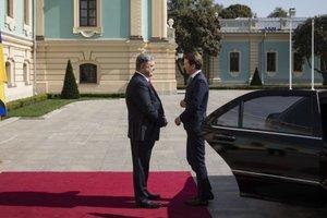 Порошенко встретился в Киеве с канцлером Австрии Курцем