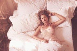 Соблазнительная Кейт Мосс на обложке Vogue