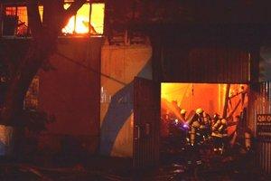 Масштабный пожар и взрывы в Одессе: все подробности