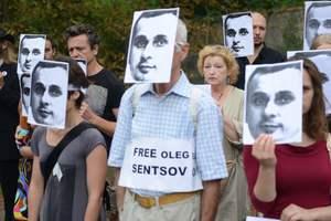 Только 1 из 20 россиян хочет, чтобы Путин помиловал Олега Сенцова