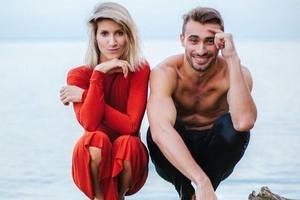 Анита Луценко снялась в чувственной фотосессии с партнером по танцам
