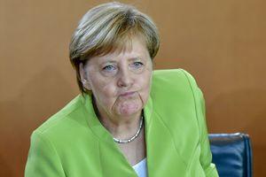 """Немецкий политик призвал к революции против Меркель и ее """"системы"""""""