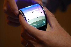 В Китае показали первый рабочий смартфон с гибким экраном (видео)