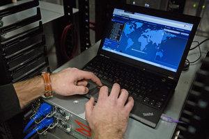 Конгресс обязал Трампа вводить санкции за киберпреступления