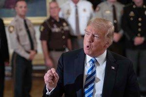 """США будут """"очень злы"""", если в сирийском Идлибе произойдет кровопролитие - Трамп"""