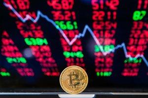 За ночь резко обвалились курсы Bitcoin и Ethereum