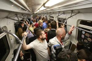 В метро Киева появился поезд с видеокамерами в вагонах