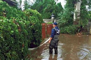 В Одессе дворы ушли под воду после первого осеннего дождя