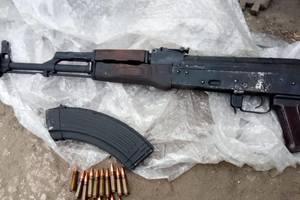 В Запорожье при задержании банды наркоторговцев копы обнаружили арсенал оружия