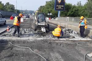 Сезон пробок стартовал: начался ремонт на мосту Метро