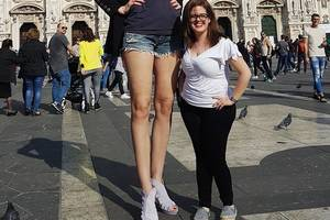 Яркие фото россиянки с самыми длинными ногами