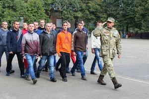 В Генштабе объяснили, почему Порошенко продлил призыв в армию