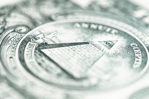 Гривня пошла в рост: курс доллара упал