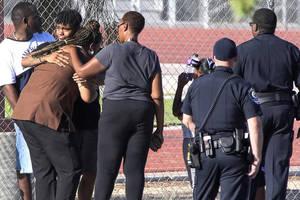 Новая стрельба в американской школе: погиб человек
