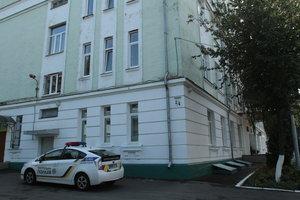 Вся школа в шоке: все подробности нападения ученика на учительницу в Киеве