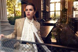 Сдержанность и элегантность: Фелисити Джонс украсила обложку Vanity Fair