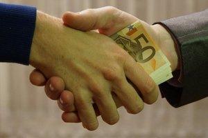 Стало известно, сколько взяточников разоблачили в Украине с начала года