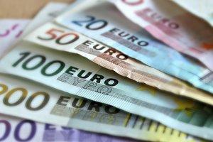 Юнкер призвал увеличить международную роль евро