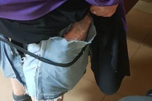 Пыталась пронести под юбкой почти 50 iPhone: в Харьковской области пограничники задержали украинку
