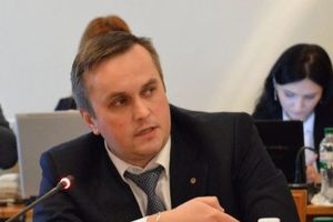 Омеляна не хотят сажать в СИЗО: Холодницкий рассказал о миллионах залога за министра