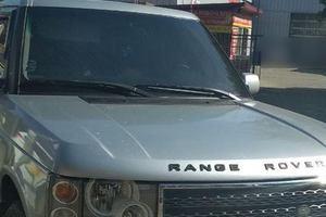 В Ужгороде водитель Land Rover ударил женщину-копа