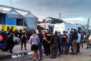 Рейдерская атака под Харьковом: суд арестовал 15 участников