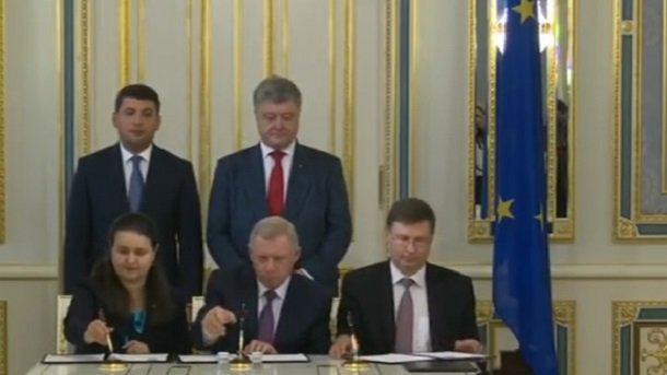 Украине сроссиянами непопути— Порошенко