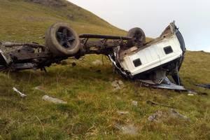 В Карпатах два туриста сорвались на внедорожнике в ущелье - оба погибли на месте