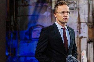 """Венгрия и Франция продолжают """"войну слов"""""""