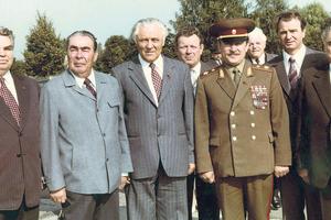 Руководство. Борисенко-старший (крайний справа) с Леонидом Брежневым и Владимиром Щербицким. Фото: из архива семьи Борисенко