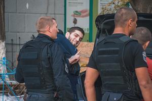 Полицейские подтвердили задержание гражданина РФ с наркотиками