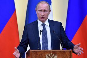 Путина подставили, его рейтинг падает и придется отдать власть - эксперт