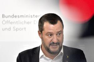 """""""Извинись и заткнись"""": вице-премьер Италии нагрубил замглаве Еврокомиссии"""