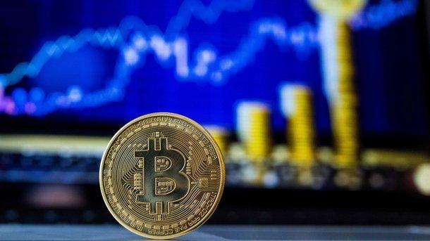 Курс биткоина обрушился, рынок криптогвалют вкрасной зоне— специалист назвал причину