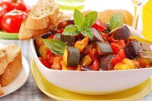 Рецепт дня: овощное рагу с индейкой