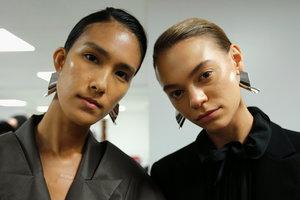 Минимум косметики: модные тренды в макияже 2018