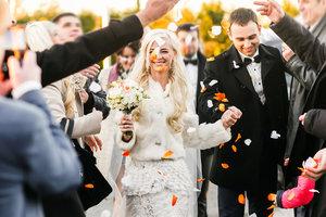"""Горячая свадьба превратилась в """"мордобой"""": курьезное видео"""