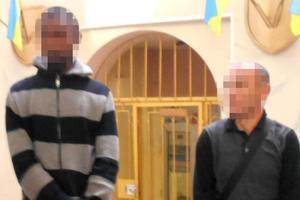 Отобрали деньги и банковскую карту: в Харькове мужчину ограбили иностранцы