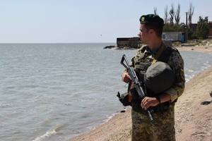 Порошенко: Украина усилит оборону Азовского моря