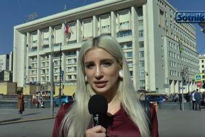 Москвичи об отказе России от доллара: Это глупость, но придется