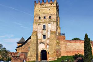 Выходные в Луцке: дом-улей, гондолы и одно из чудес Украины