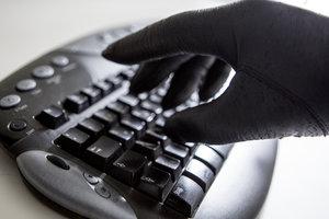 Хакеры пытались взломать почтовые аккаунты американских сенаторов