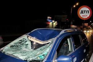 В Киеве на Окружной под колесами авто погиб пешеход-нарушитель