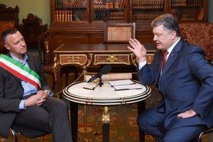 Экс-мэр Вероны объяснил лишение Порошенко почетного звания в Италии