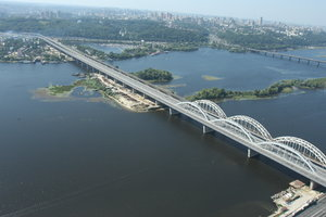Властям Киева не хватило 30 млн евро, чтобы достроить Дарницкий мост