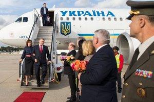 Порошенко прибыл с визитом в США