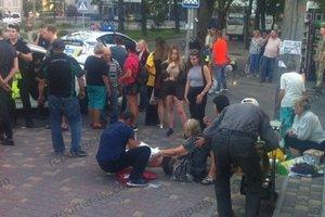 В Запорожье маршрутка врезалась в остановку: опубликованы фото