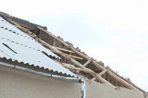 На Подоле в Киеве с жилого дома сорвало крышу